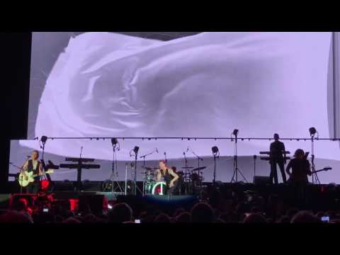 Depeche Mode -Heroes Live in Amsterdam HD