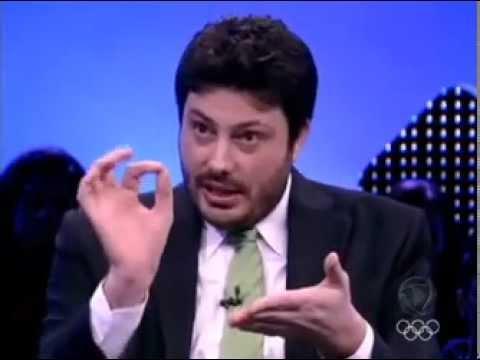 Roberto Justus entrevista Danilo Gentili e o musico Nasi 04/06/12