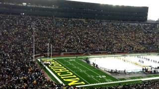 Big Chill at the Big House (Michigan Stadium) B-2 stealth bomber flyover & intro