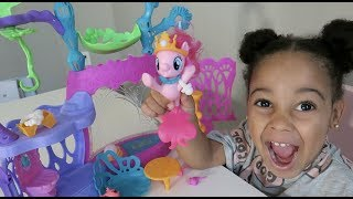 FamousTubeKIDS unbox My Little Pony The Movie Seashell Lagoon - Kid Toy Review
