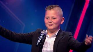 Pietje start met hilarische introductie - Holland's got talent 2019
