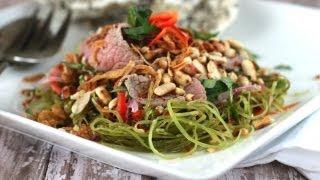 Nộm rau muống thịt bò (Vietnamese rare beef salad with water spinach)