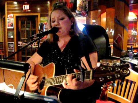 Amanda Rae sings in Annapolis MD