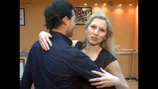 Учимся танцевать бачату с нуля(Чемпионы мира 2009 года по бачате Евгений и Кристина Лисуновы базовым движениям этого романтичного танца..., 2013-03-26T07:53:27.000Z)