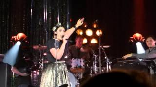 Caro Emerald - Back it Up [HD] (with Audience Participation) - O2 17th Oct 2014