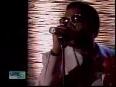Kanye West Performs Love Lockdown on Ellen