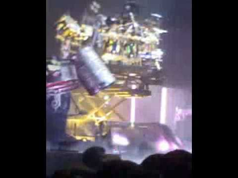 Joey Jordison upside down drum solo (sic) - Slipknot 11/12 ...