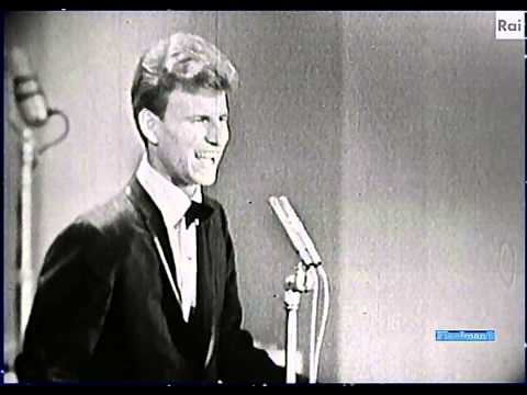 ♫-bobby-rydell-♪-un-bacio-piccolissimo-(1964)-♫-video-&-audio-restored-hd