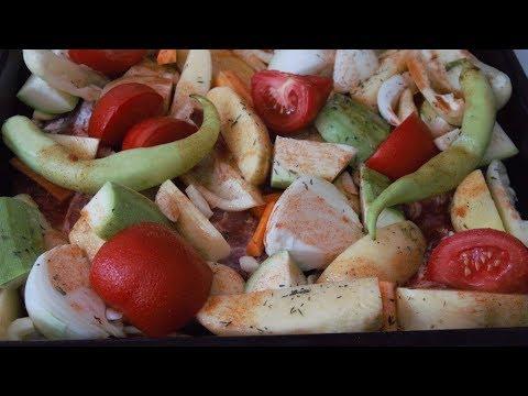 Как запечь свинину с овощами в духовке