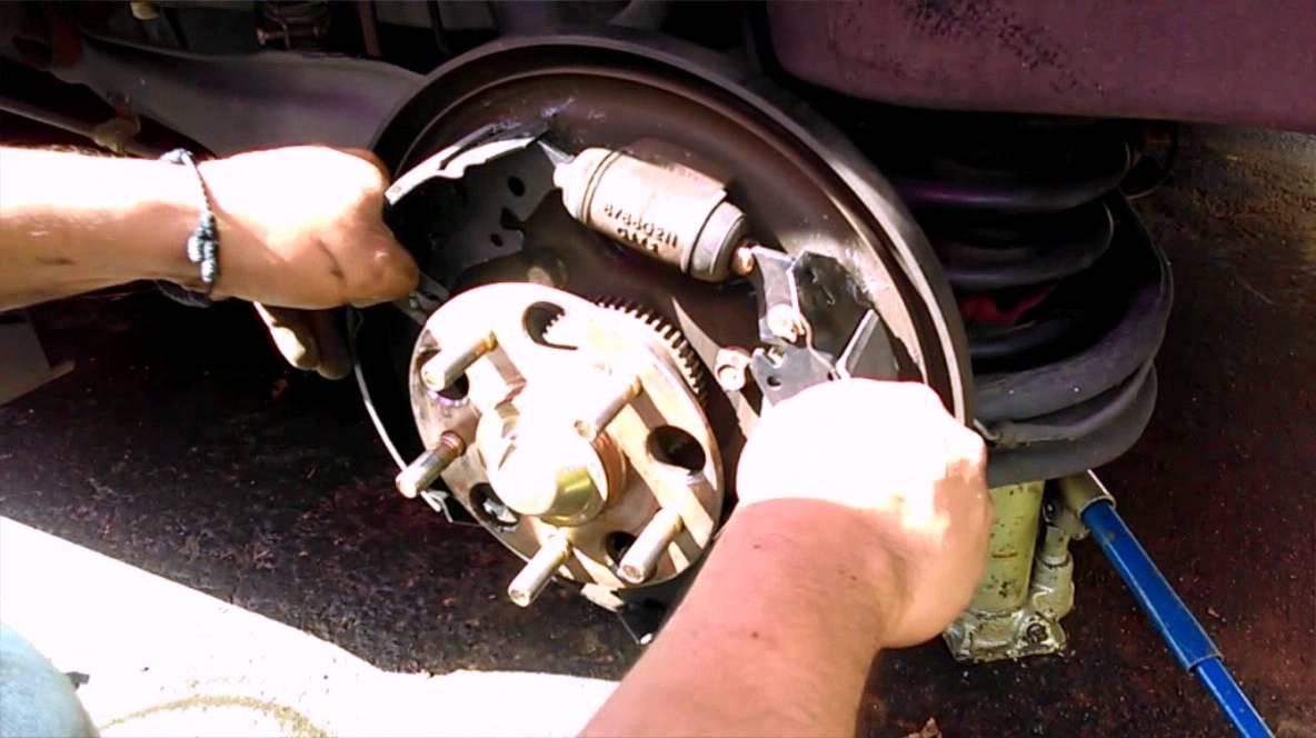 Como Cambiar Los Frenos Traseros De Tambor De Honda