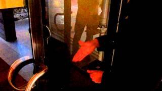 Измерение компасом направления двери(Пошаговая инструкция как измерять направление двери компасом. Бесплатные консультации феншуй Бесплатные..., 2014-04-24T07:26:45.000Z)