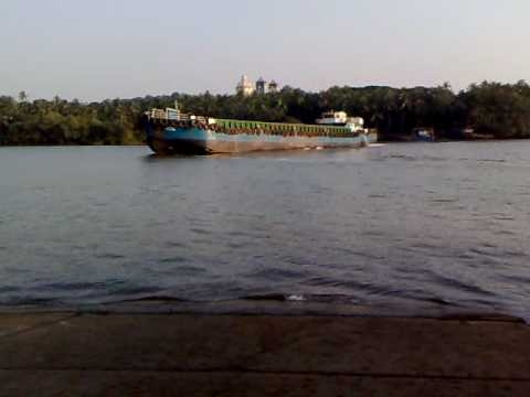 Barge lost power @ Goa