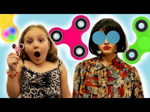 Betty a HIPNOTIZAT-O pe Doamna AIURICA cu SPINNERUL Poveste pentru copii