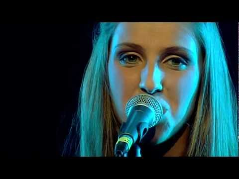 Studio Brussel: AKS - Out Of Control [Live at Poulains 2012]