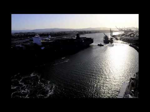 Biggest Container Ship to call the Port of Oakland and North America - time lapse video