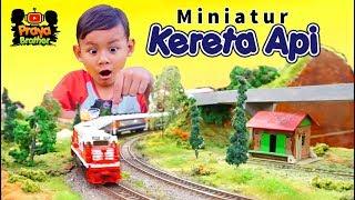 Mainan Miniatur Kereta Api Tut Tut Tut Bermesin Listrik Bisa Berjalan | Kereta Api Indonesia