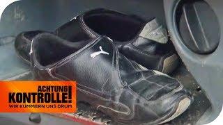 Ohne Schuhe auf der Autobahn: Bequemlichkeit für den LKW-Fahrer | Achtung Kontrolle | kabel eins