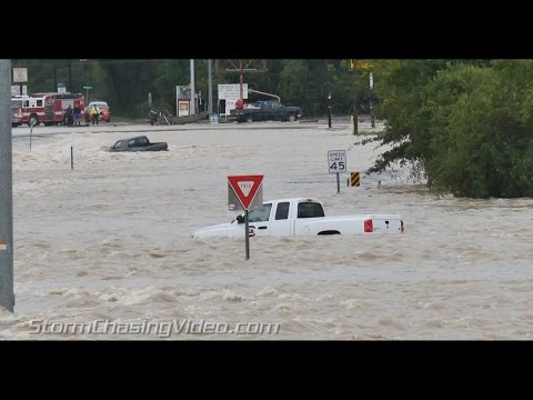 Insane video of Pickup Truck swept away Columbia SC Floods and rescue - 10/4/2015