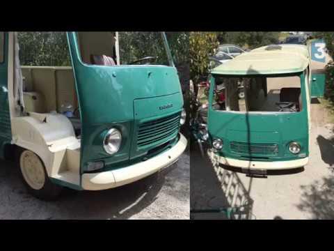 Tôlier itinérant, il bichonne les voitures anciennes - YouTube