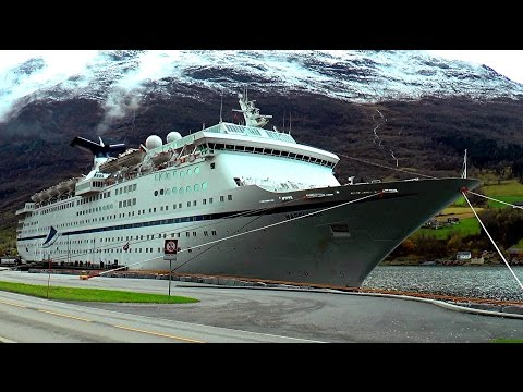 'Northern Lights' Magellan cruise 2016 by Syd Pearman
