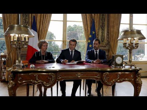 """Code du travail : """"Une victoire à la Pyrrhus pour Macron"""", décrypte Olivier Bost"""