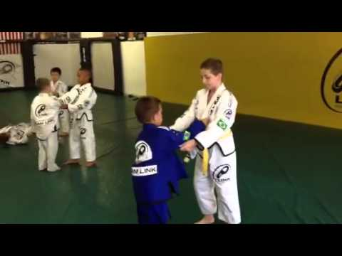 100 takedowns Morote Seoi Nage by Lucas Alvan. Learning BJJ and Judo Lessons in Western Mass.