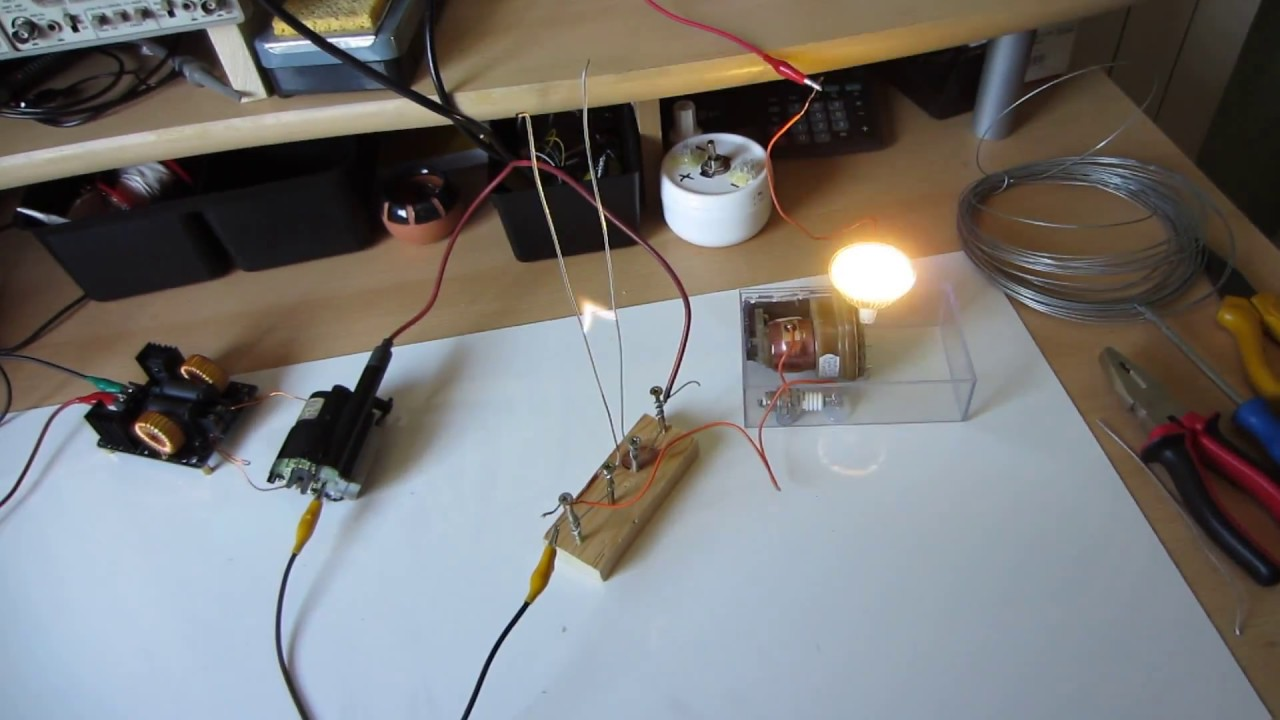 ZVS Driver : Jacobs Ladder and Flyback Powering 12v LED on