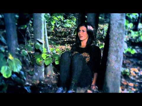 Alina Eremia - Russian Roulette (cover) in Pariu cu viata