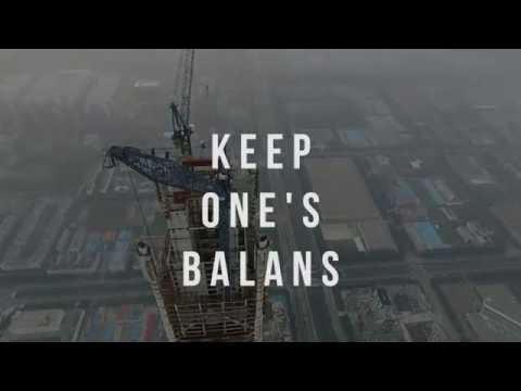 Tianjin Crane Climbing 600 m - Drone video
