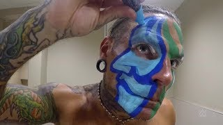 Time-lapse video of Jeff Hardy applying his face paint