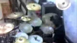 ...[Felipe Drum Solo]...Mudvayne Dig Drum Cover