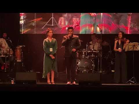 Download Sunny Hindustani Introducing his Girlfriend At his 1st Concert In London | Halka Halka Suroor Hai