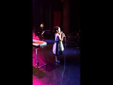 Miki Reyes Tomorrow 31 May 2014 - backstage view