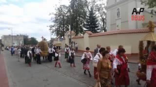 Korowód dożynkowy Mielec - dożynki wojewódzkie 25 sierpnia 2013 r.