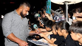 Japanese fans welcome the All Blacks to Kashiwa