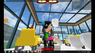 Roblox creepy restaurant/ waitress is stuck in the table and chef is floating on air!