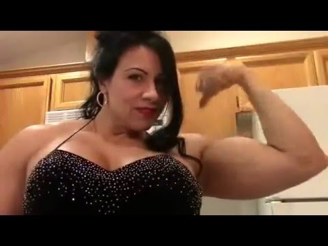 Female Muscle Laurie Steele  Poses and Flexes