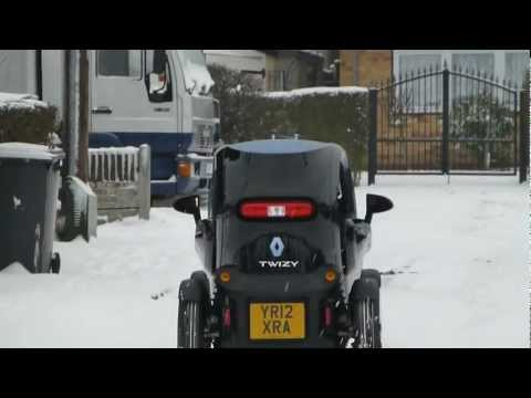 Renault Twizy in snow hill test