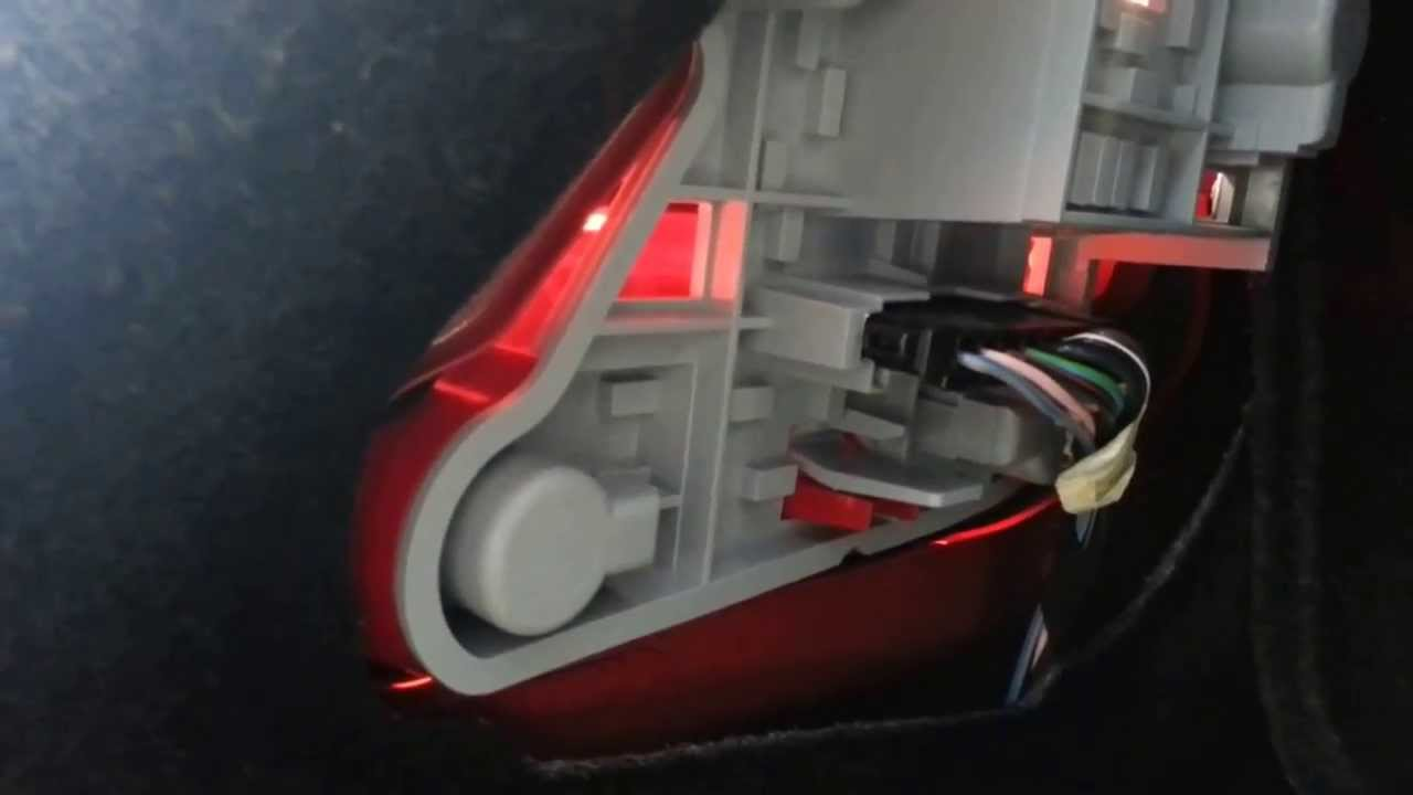 Mercedes Bulb Replacement Tail Lamp Brake Light DIY in