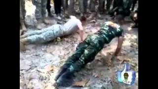 Repeat youtube video ทหารไทย vs. ทหารฝรั่ง แข่งดันพื้น