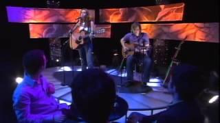 Una Healy on TG4 (2005)