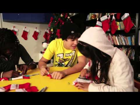 Austin Mahone Volunteers at a Salvation Army Shelter in Miami
