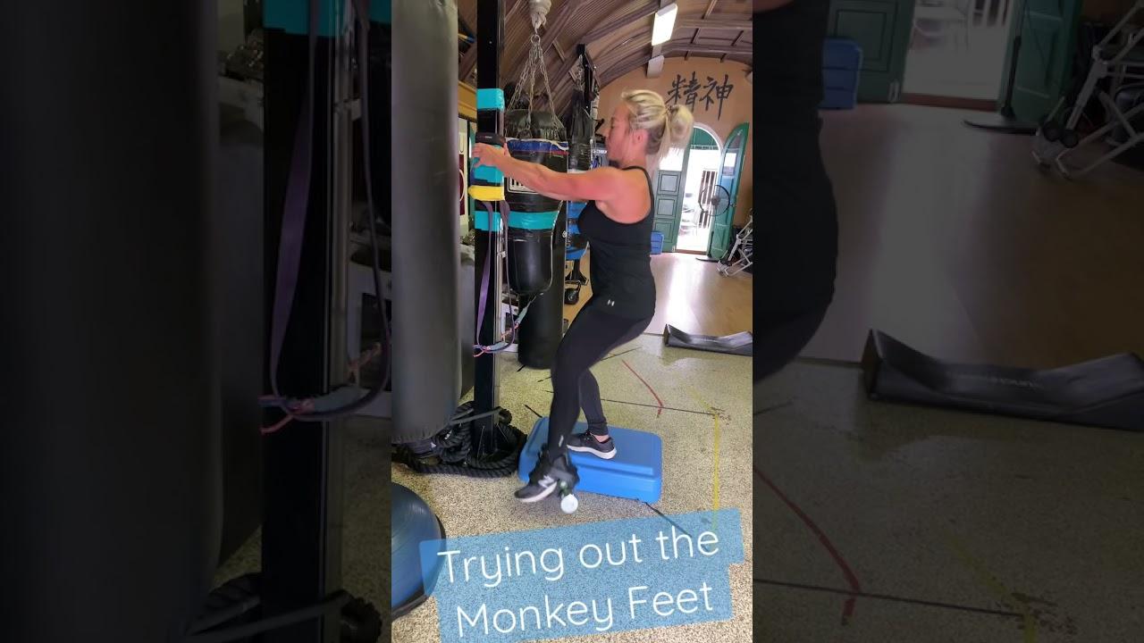 Monkey Feet test with Dorinda