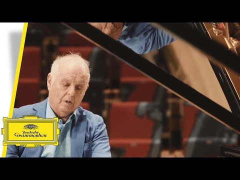 Daniel Barenboim - Debussy - Clair De Lune (Trailer)
