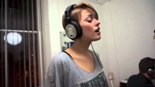 Florence and The Machine - Shake It Out (cover by Eline Brun)
