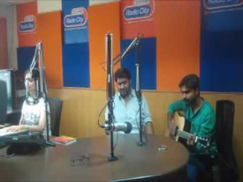 "RJ Deepika - Face to Face with a Talented Singer from Nagpur ""Aniket"""