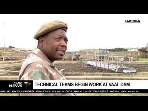 SANDF Technical teams begin work at the Vaal dam