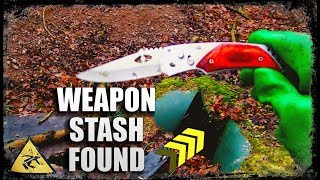 Magnet Fishing - Possible MURDER Weapon Found in Hidden Barrel