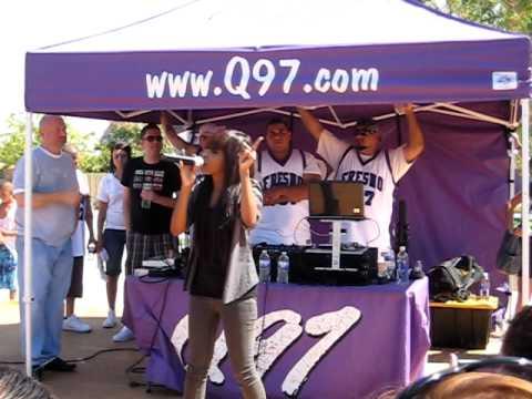 Auburn Performing La La La for Q97!
