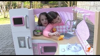 Kidkraft Grand Gourmet Corner Kids Toy Kitchen - Unboxing,Review and Pretend Cooking thumbnail